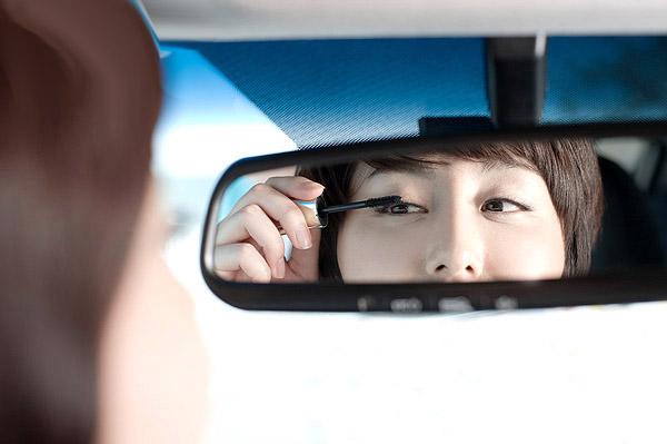 Por qu nos reflejamos en el espejo losporque - De que color es un espejo ...
