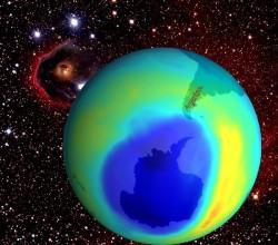 El agujero en la capa de ozono esta sobre la Antártida