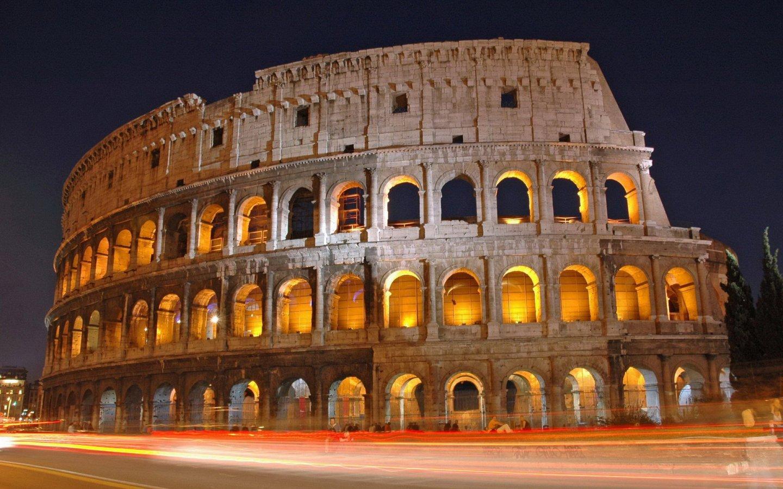 El Coliseo Romano es un anfiteatro de la época del Imperio romano