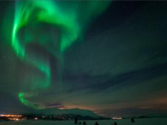 ¿Por qué son diferentes las auroras del norte y del sur?